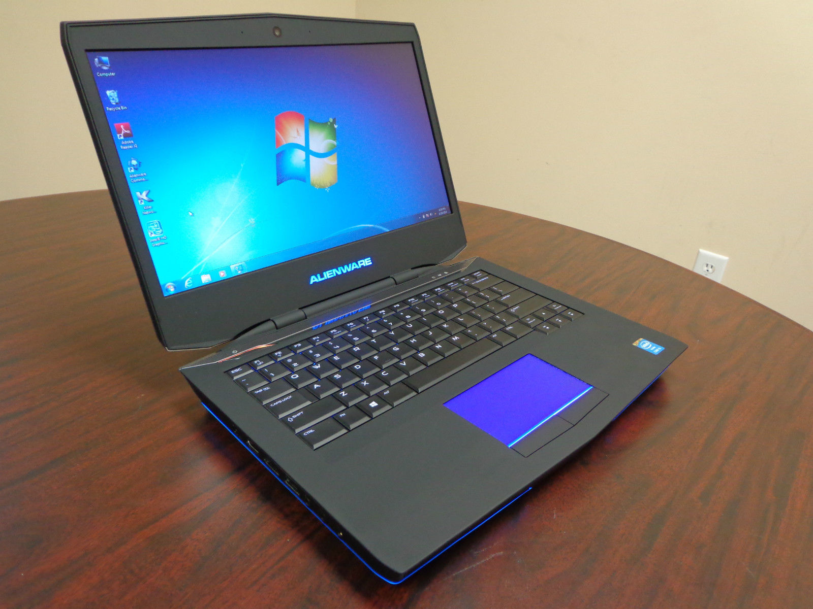 Gaming laptops - Like new condition!